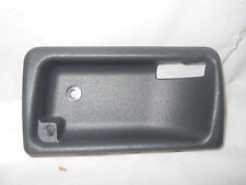 LAND ROVER RANGE ROVER LH DRIVERS SIDE DOOR HANDLE BEZEL 1999-2000 FVK100210LNF