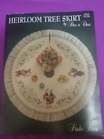 Heirloom Tree Skirt  Santa Claus  Counted Cross Stitch Embroidery Pattern 1992