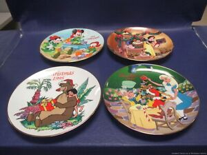 Lot of 4 - Grolier Disney Christmas Plates - 1993 to 1996 (LES)
