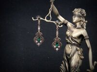 Boucles d`Oreilles CLIP ON Doré Vert Emeraude Art Deco Chandelier Filigrane B10