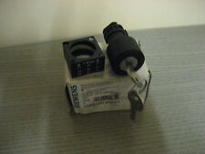SIEMENS 3SB3000-4AD01 KEY OPERATED SWITCH RONIS