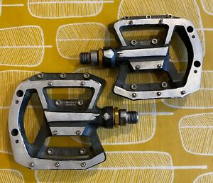 Used Shimano Saint PD-MX80 Flat Mountain Pedals - Black.