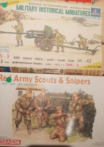 Lot Of 2 1/35 Soviet Kits. Red Army Scouts And Anti-tank Gun.