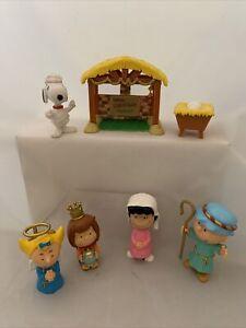 Peanuts Christmas Nativity  Set Charlie Brown Snoopy Manger 7 Piece