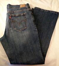 Women's Levi's 550 relaxed boot cut medium wash Denim Jeans sz.12 Short