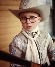 RALPHIE RED RYDER BB GUN THE CHRISTMAS STORY TV MOVIE COMEDY 1983 8X10 PHOTO
