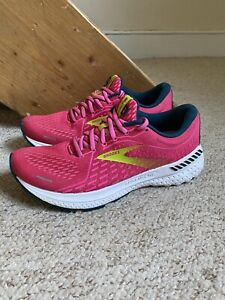 Women's Brooks Adrenaline GTS 21 Trainers/Shoes Pink/White UK Sz. 6