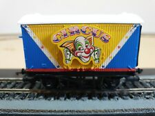 HORNBY OO GAUGE THOMAS THE TANK AND FRIENDS CIRCUS WAGON Blue/White/Yellow