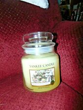 Yankee Candle Frosted Cedar Wreath 14.5 oz. Medium Jar Candle