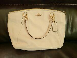 Coach F36675 Kelsey Leather Shoulder Handbag White