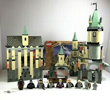 Lego Harry Potter Set 4709 Hogwarts Castle Complete with 9 Minifigs & Poster