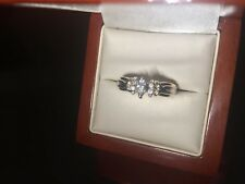 14ct Gold Stunning Diamond Ring