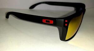 Oakley Holbrook Matt Black, Polarised Red Reflective Lenses.