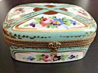 "4.5"" Large ANTIQUE French LIMOGES Fleur Lis Clasp Hand Paint Turquoise Roses Box"