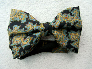 BLUE BEIGE PAISLEY 4.25 INCH WIDE SILK bow tie by AKCO