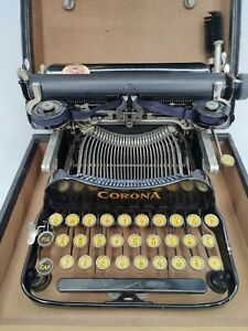 Corona 3 Folding Typewriter w/Case & Brushes - Excellent Condition