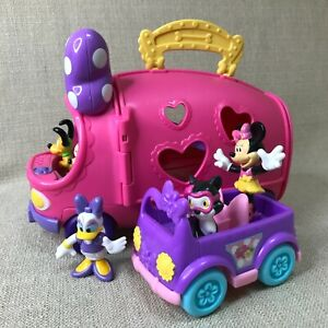 Fisher Price Disney Minnie Mouse Bow-tique Pet Tour Van Fold&Go Playset