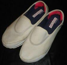 SKECHERS White Lightweight Go Walk MEMORY FOAM SLIP ON Shoes Women's Sz 8-9