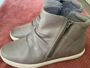 Rockport Grey Leather Ankle Boots, Side Zip, 9W Us Or 40