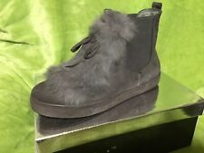 BNIB Size 4 Grey Pull On Boots With A Fur & Bow Detail Lightweight. Ladies/Girls