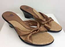 Women's Sofft Shoes Sandals Metalic Gold Leather Sixe 7 1/2 M