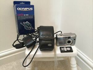 OLYMPUS CAMEDIA D-50 Camera and D-7AC AC Adapter and Case