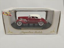 NIB 1937 Cord 812 Supercharged Limited 1/32 Scale Signature Models