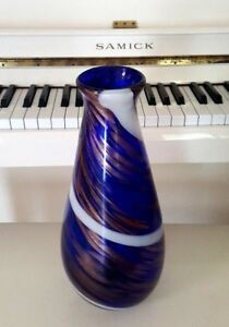 14 INCH HAND BLOWN MURANO COBALT BLUE VASE WITH SWIRL AND COPPER SPECS 4 LBS