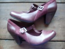 SIZE 6 (39) BURGUNDY LEATHER CLARKS SHOES