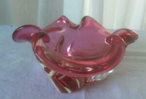 VINTAGE MID CENTURY ITALIAN MURANO ART GLASS CLEAR CASED CRANBERRY FLUTED BOWL