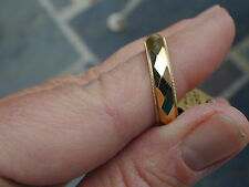 New Old Stock 14kt Yellow Gold Diamond Texture Wedding Band 4.7 grams,9.75+size