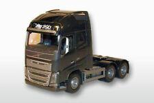 EMEK 81343 Volvo FH04 GL XL 6x4 Solomaschine 1:25 schwarze Ausführung, 26cm