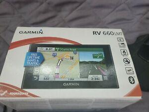 Garmin RV 660LMT 6.1 Inch Auto GPS Navigator RV660 Excellent Condition w/ mount