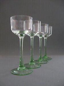 Vier stilvoll, elegante Weingläser original aus der Zeit des Art Deco um 1930