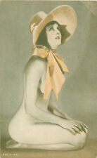 RISQUE SEMI-NUDE BRUNETTE IN SCARF & HAT  - PIN-UP ARCADE CARD