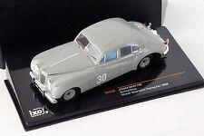 Stirling Moss Jaguar MKVII #30 Winner Silverstone Touring Car 1952 1:43 Ixo