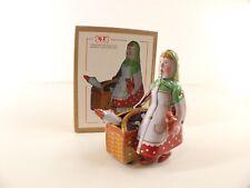 Tin Toy Clockwork • MS501 China • Farm lady • boxed/en boite 11 cm without key