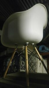 Replica Eames Rocking Chair White - Assembled