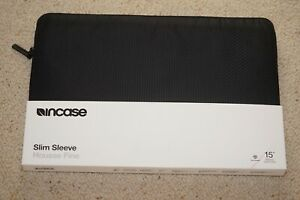 "Incase Slim Sleeve for 15"" MacBook- NEW Housse Fine Black"