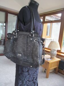 LARGE BLACK LEATHER SHOULDER BAG BY SUZY SMITH