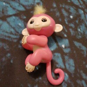 Pink Fingerlings Monkey, interactive toy (L&L)