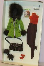 Skiing Vacation Fashion Outfit Silkstone Barbie NRFB 2004 Gold Label #G5271