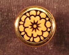 Strap Button, Gold, Oversize, with engraved Concho 1