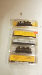 Lot of 5  Trains N Scale  Reefer Box Cars