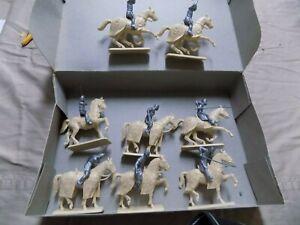 Italeri Crusader Knights Box set 1/32nd (8)