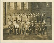 32 MEN IN NICE SUITS OUTDOORS CHURCH/BUILDING W/ STAINED GLASS VINTAGE PHOTO