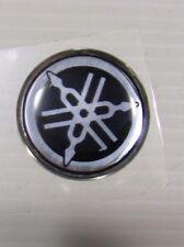 emblème carénage origine YAMAHA 125 MAJESTY TZR 50  NEOS 50  ref: 5DS-F8368-00