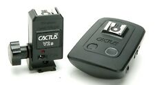 Cactus Wireless One Flash Transceiver V5 & Cactus 4 Channels Flash Trigger V2s.