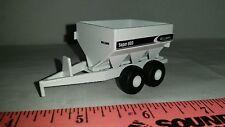 1/64 ERTL custom farm toy agco willmar fertilizer& lime float pull type spreader
