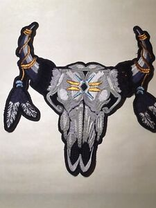 LARGE CATTLE HEAD SKULL FEATHERS LONGHORN STEER SOUTHWESTERN NATIVE SEW ON PATCH